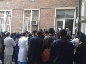 İranda tibb bacıları etiraza qalxdı