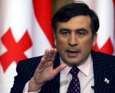 Gürcüstanda çevriliş həyəcanı - Saakaşvili tərəfdarlarını küçələrə çağırdı