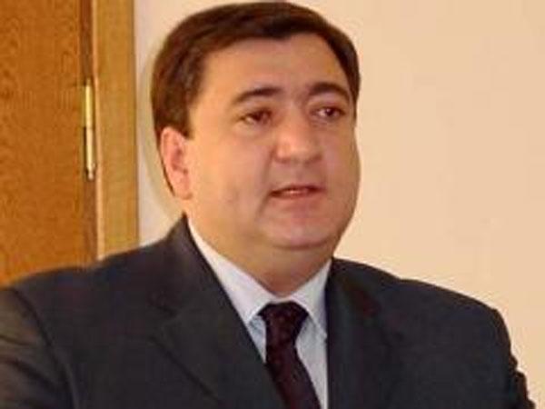 Fazil Məmmədov prezidetin tənqidindən nəticə çıxarmadı