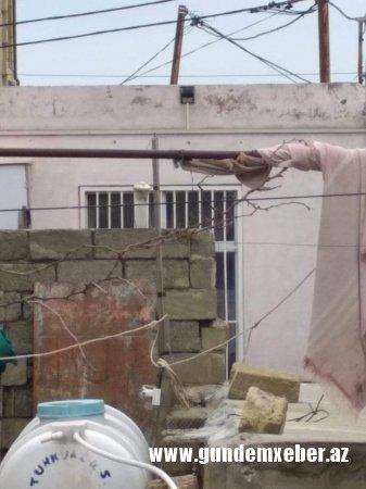 """ADNSU-nun dosenti yaşadığı mənzilin ətrafında """"bomba partladır"""" - FOTOLAR"""