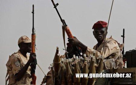 Sudanda hərbçilər nazirləri həbs edib - Paytaxta girişi bağlayıblar