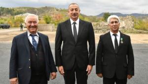 Prezident və xanımı Şəhriyar Məmmədyarovun atası ilə görüşdü